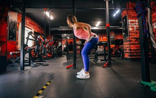 Техника выполнения тяги штанги в наклоне от тренера Ксении Фроловой