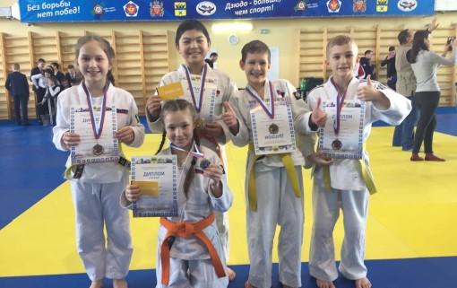 На Первенстве Оренбурга у дзюдоистов «Бойца» две золотые и три бронзовые медали!