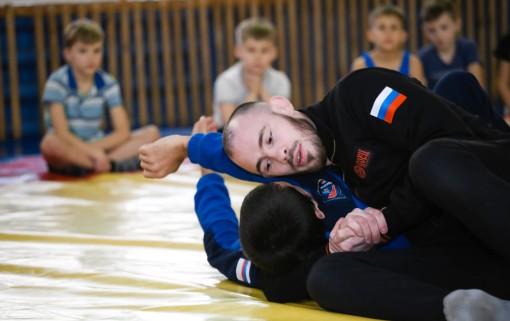 Роман Богатов в детской юношеской спортивной школе «Спартак» Новотроицка